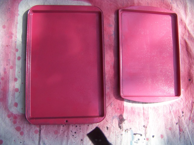 Here is the cookie sheets I spray painted for a couple of the presents.